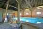 Huize Tergast, luxe vakantiehuis met eigen zwembad in Drenthe